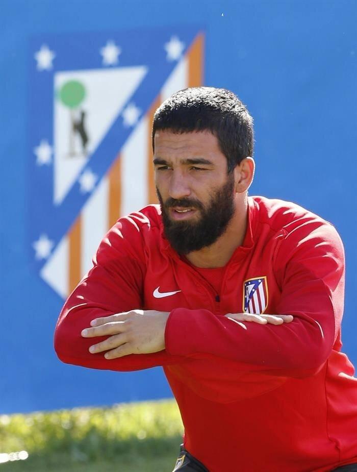 Arda Turan tirante musculador RF Barcelona