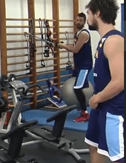 La selección española de baloncesto con el tirante musculador
